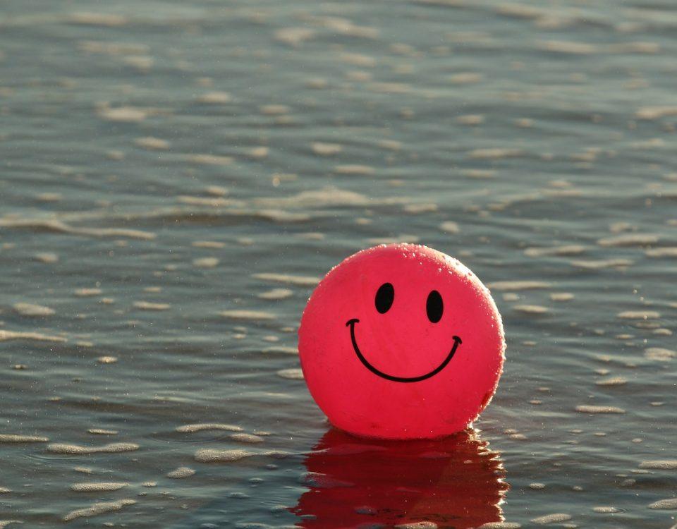 alicia-diago-coach-dia-mundial-sonrisa-octubre-coaching-autoconocimiento-desarrollo-personal-happiness-smile-blog